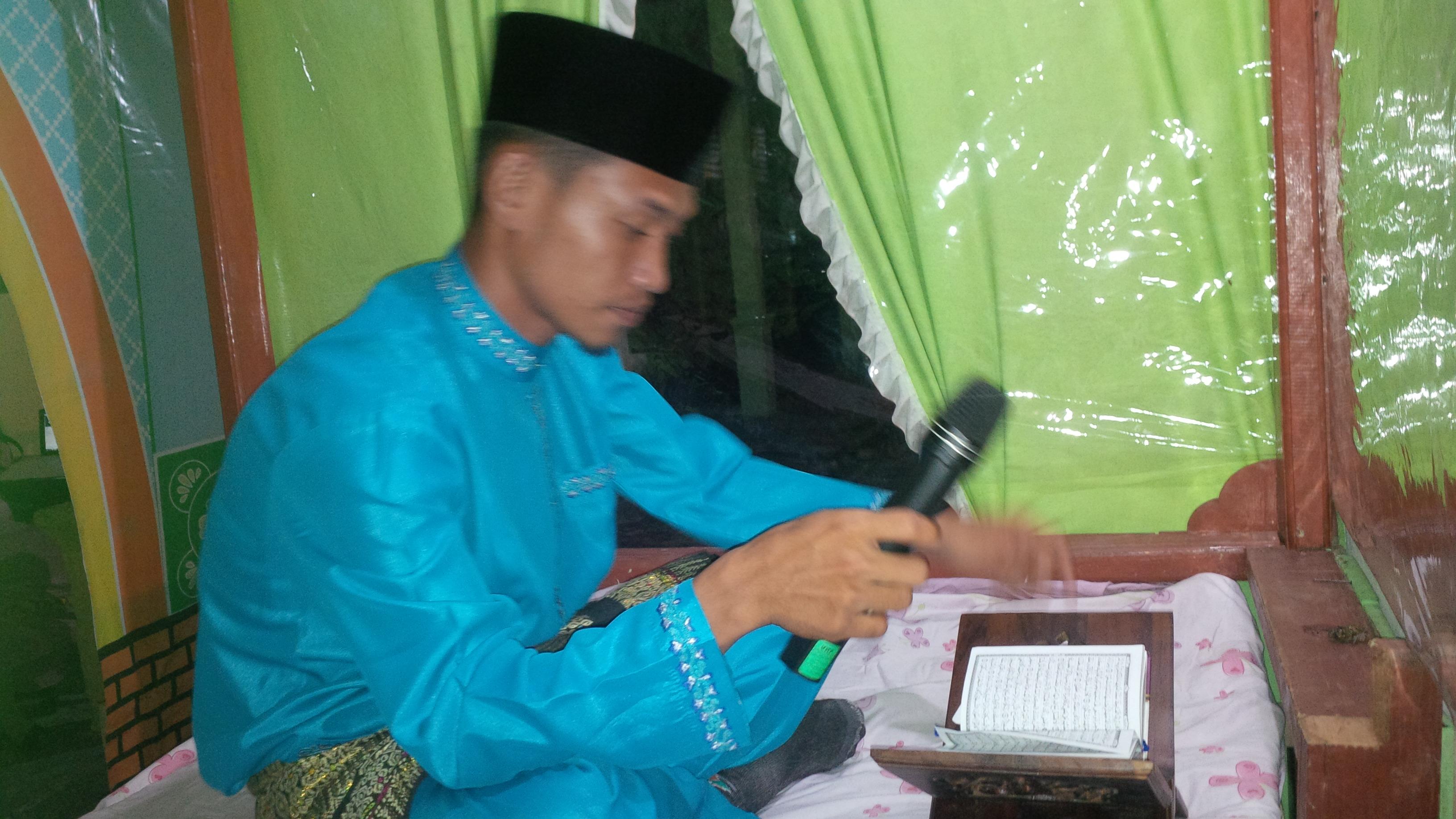 Hazman ( Qori Terbaik Dewasa MTQ Provinsi Riau di Siak