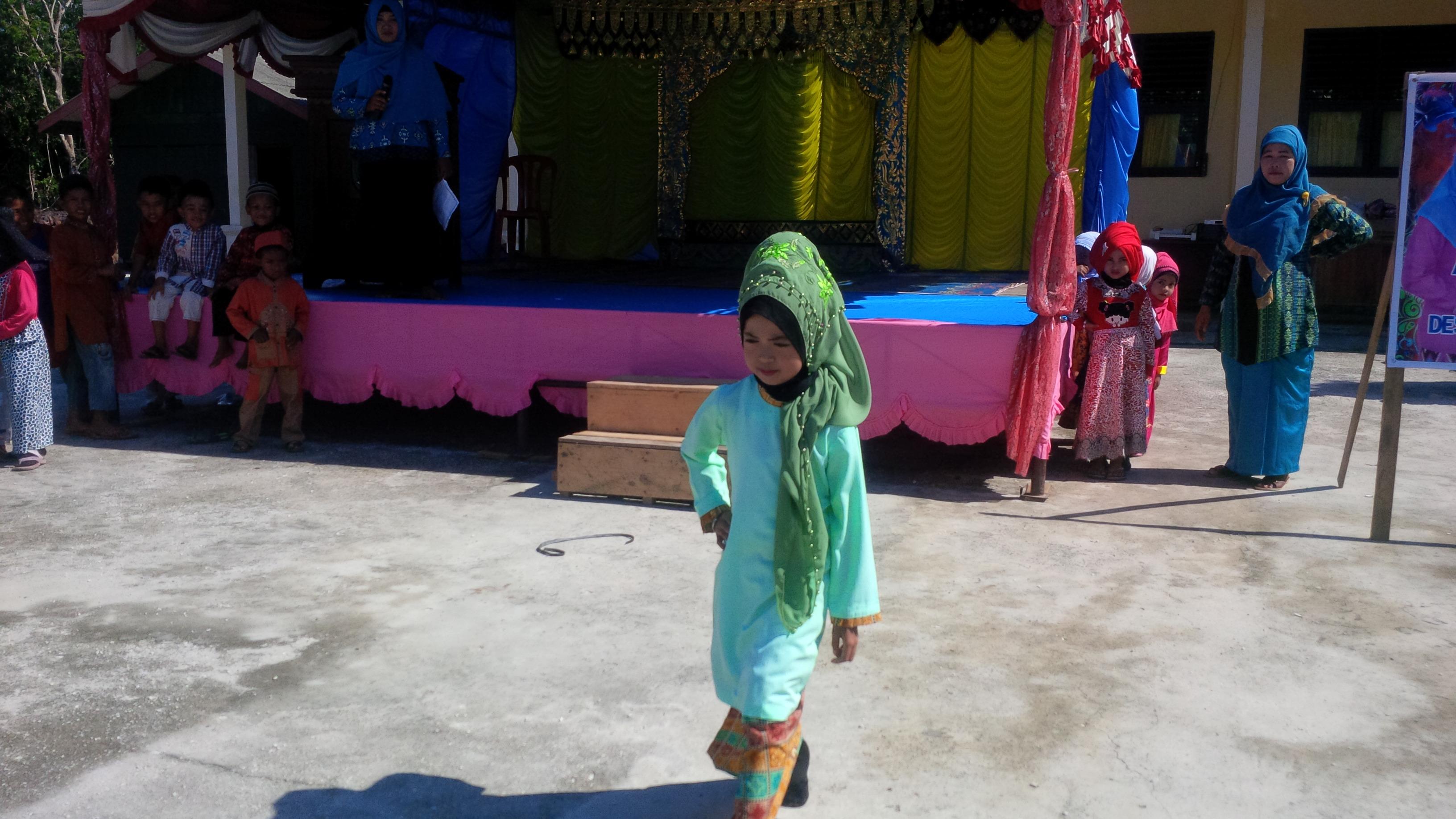aksi Fashion show anak anak